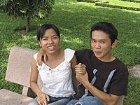Young Vietnamese couple in a Saigon park Photo: Dan Southerland © ; RFA