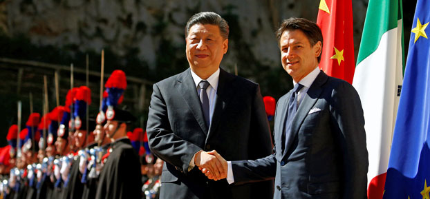 Chinese President Xi Jinping shakes hands with Italian Prime Minister Giuseppe Conte as he arrives at Villa Madama in Rome, March 23, 2019.