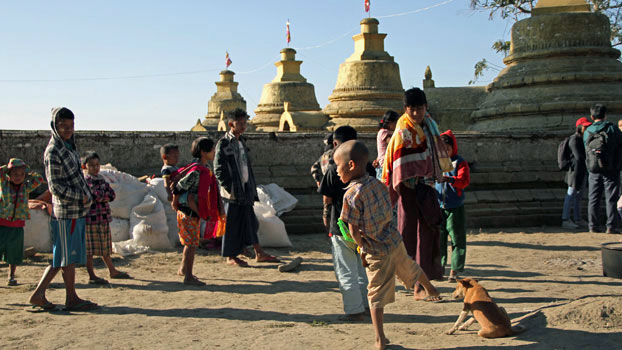Ethnic Mro people displaced by a surge in fighting between the Arakan Army and government troops take refuge inside the compound of a Buddhist pagoda in Buthidaung township, western Myanmar's Rakhine state, Jan. 25, 2019.