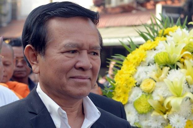 Cambodian opposition party deputy leader Kem Sokha at memorial service for slain labor activist in Phnom Penh, Jan. 22, 2015.