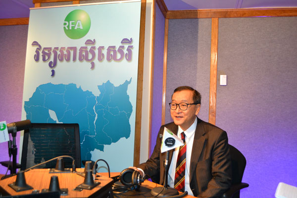 Cambodia National Rescue Party President Sam Rainsy at RFA's studio, Dec. 15, 2016.
