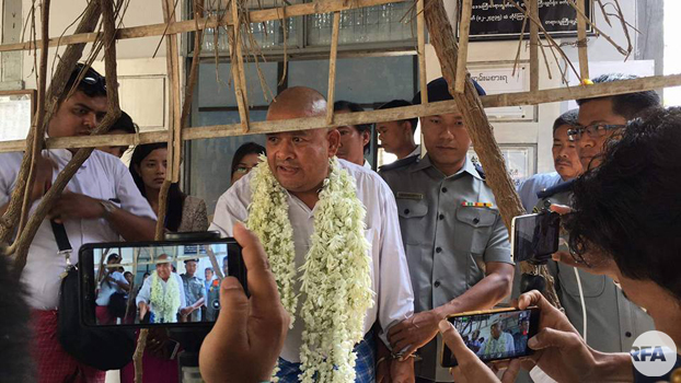 Former rights lawyer and political prisoner Zaw Win appears in court on defamation charges in Pyigyitagon township, central Myanmar's Mandalay region, March 22, 2018.