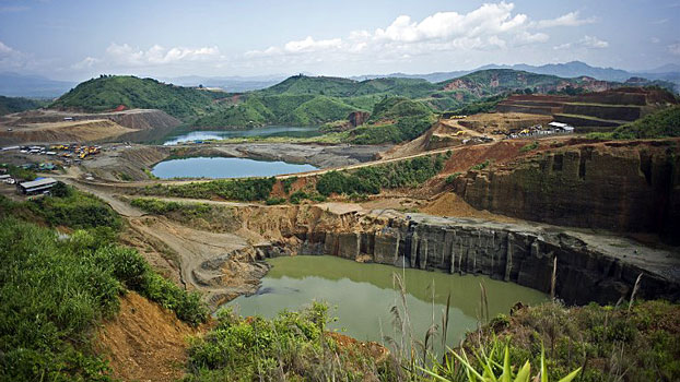 A general view of jade mine operations in Hpakant, northern Myanmar's Kachin state, Oct. 4, 2015.