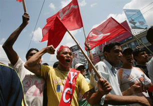 KATHMANDU, Nepal:  Maoists demonstrate in support of moves to abolish Nepal's monarchy and establish a republic, 28 May 2008.